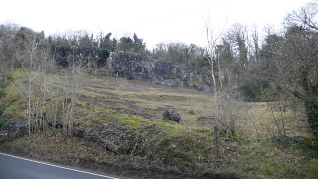 Old limestone quarry, near Pwllglas