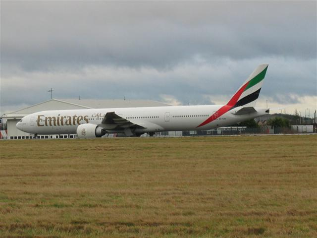 Aircraft taxiing at Glasgow Airport