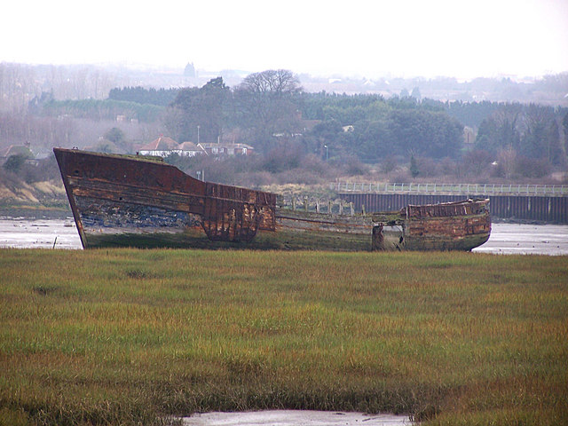 Derelict boat in Rainham Creek
