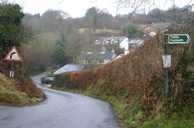 Lane down to Sarnau