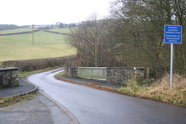 Lane up to Cwmfforch