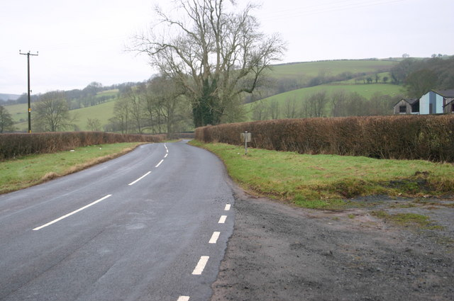 The B4520 passing Baily Brith
