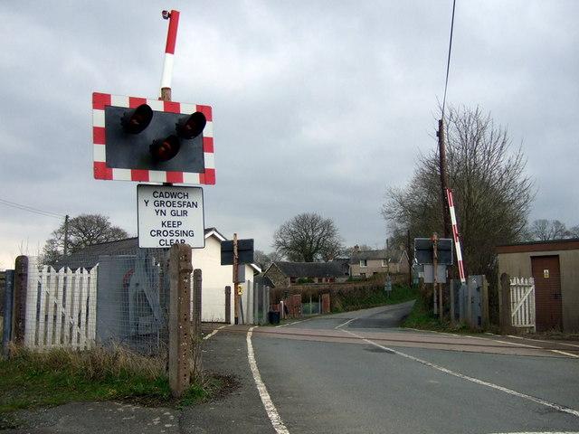 Level crossing near Crundale
