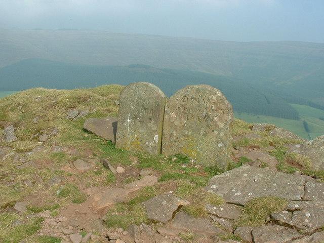 Boundary stones near to Pen Twyn Glas