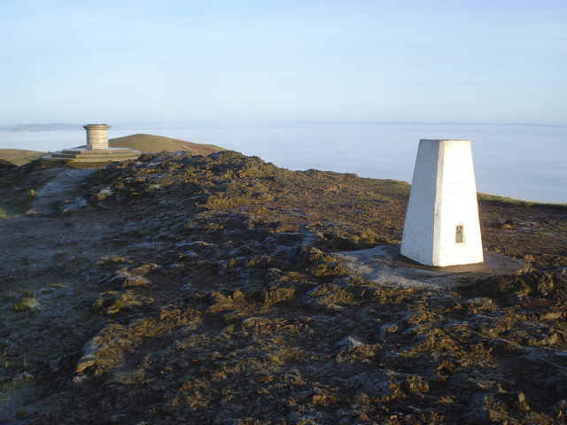 Worcestershire Beacon toposcope and trig point