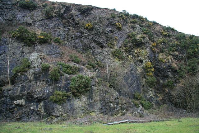 Quarry face near Cwmyrhiwdre