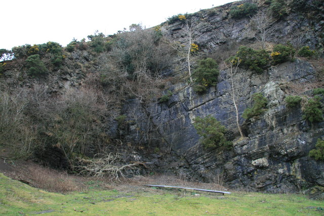 Faulting in quarry face near Cwmyrhiwdre