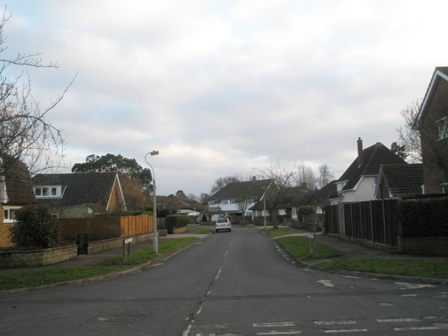 Looking south down Fairfield Close