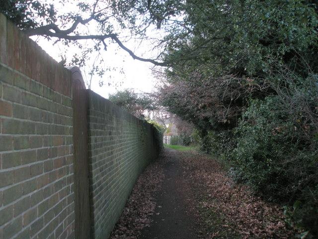 Footpath between Bellevue Lane and Christopher Way