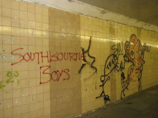 Graffiti in tunnel under A27