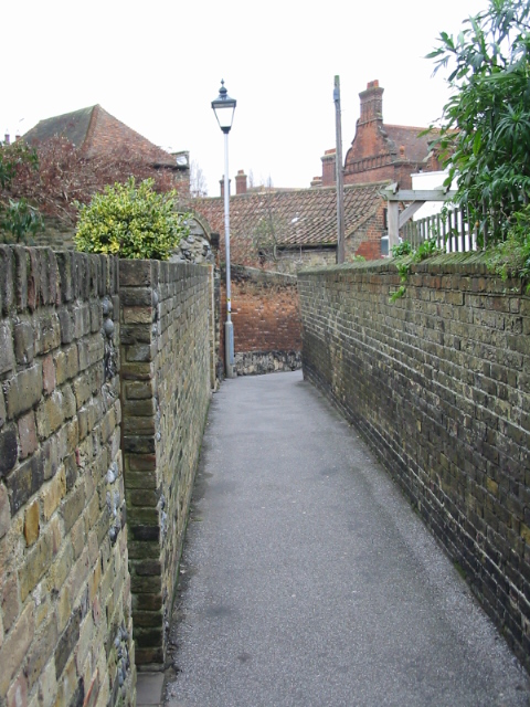 View along Seven Post Alley towards the High Street