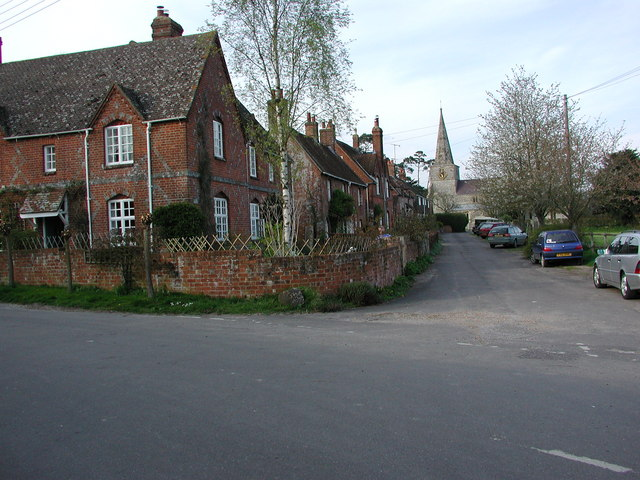 Lane leading to Little Bedwyn church