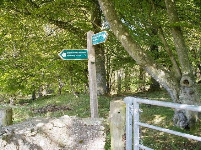 Signpost at Roughmoss, Brechin