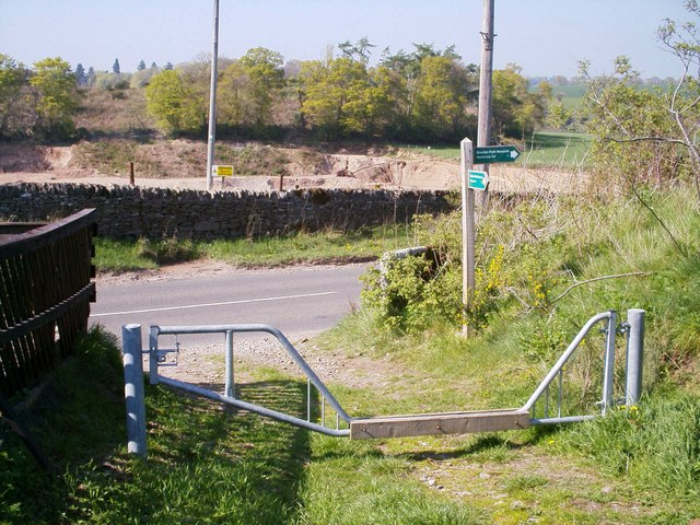 Gateway and Signpost near Stannochy, Brechin