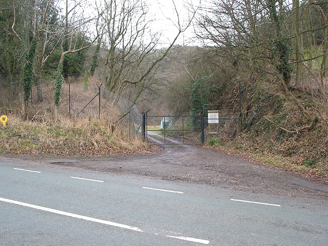 Quarry entrance, Hollybush