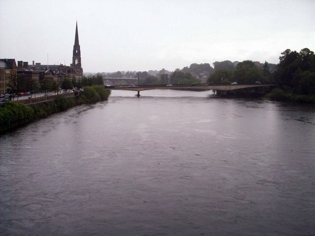 Tay Street, Queen's Bridge and River Tay