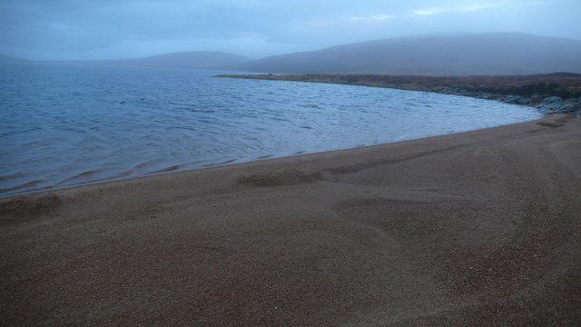 Beach at E end of Loch na Gaineimh