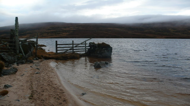 Boundary fence, Loch na Gaineimh