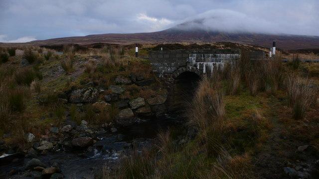 Road bridge over Feith a' Chreagain