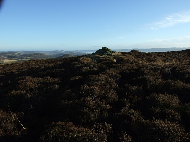 Pitmiddle Hill, cairn near summit