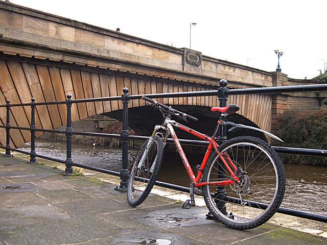 Victoria Bridge, Leeds
