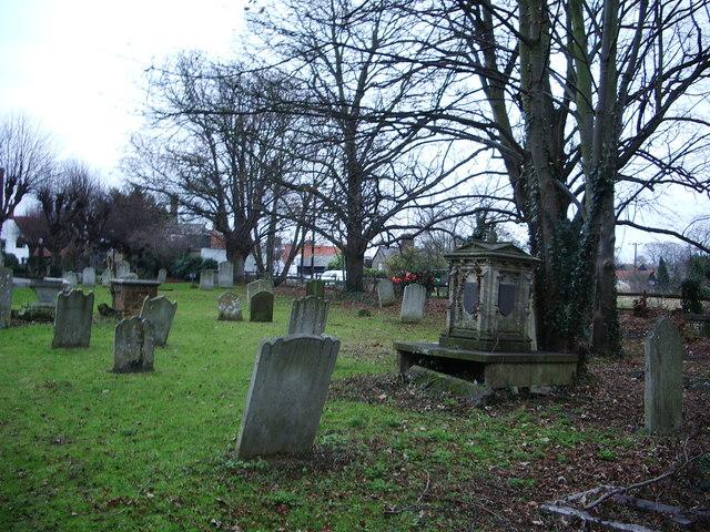 St  Mary's Church, Churchgate Street, Harlow, Graveyard