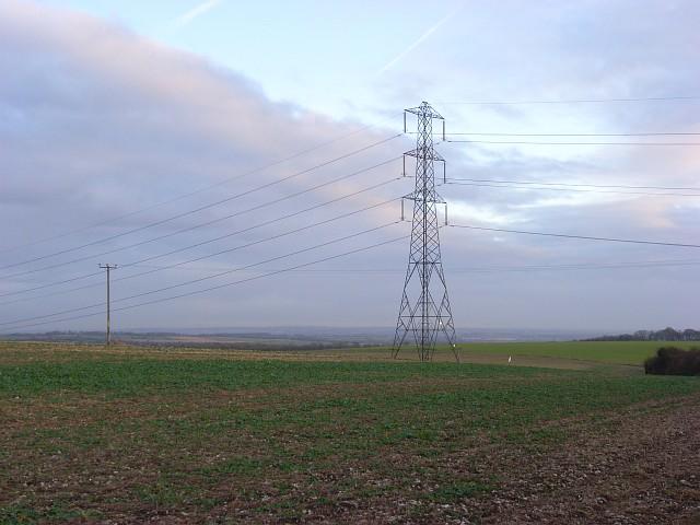Pylon in farmland near Ashley Warren