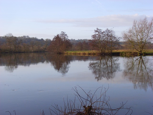 The River Thames, Medmenham