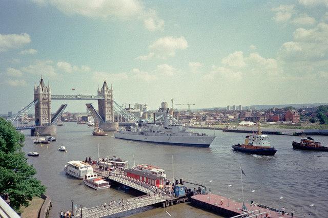 Pool of London - August 1990