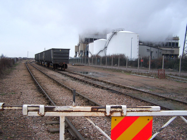 Bulk ore wagons, Isle of Grain