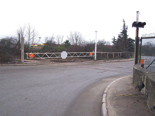 Level crossing close to Medway power station