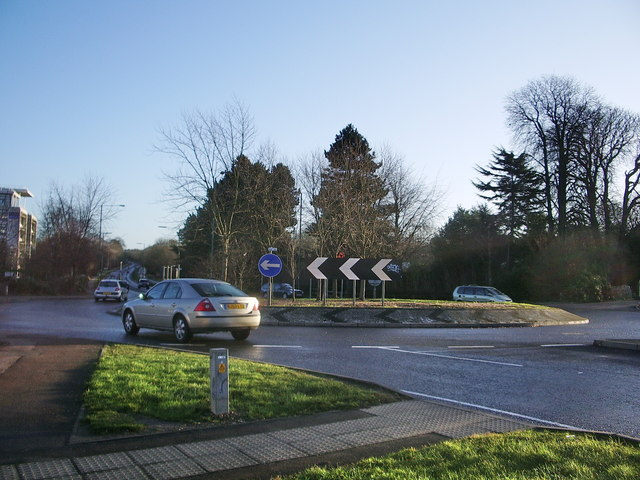 Roundabout on Edinburgh Gate, Harlow