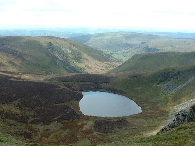 Llyn Lluncaws from the Berwyn ridge