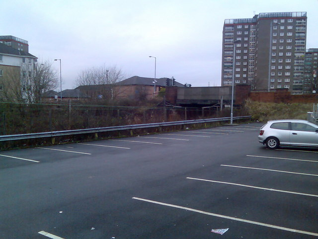 Park and Ride, Dalmuir train station