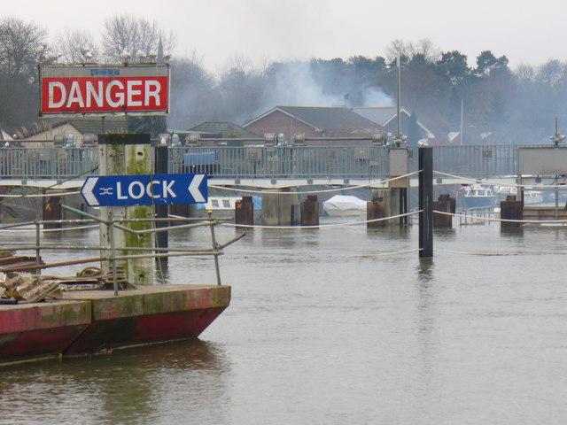 Thames by Hamhaugh Island