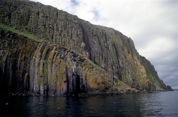 East cliffs, Eilean Tighe, Shiants