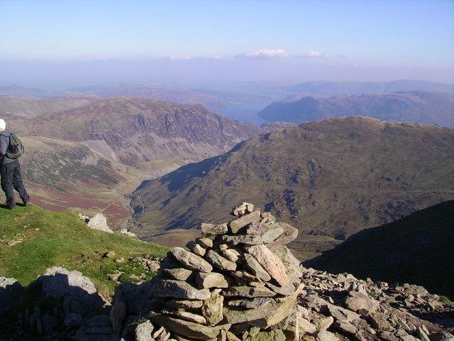 Summit Cairn, Catstye Cam
