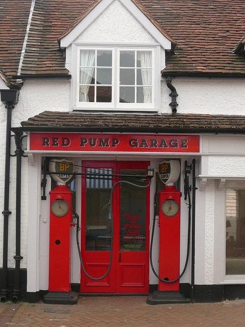 Old petrol filling station, Great Missenden