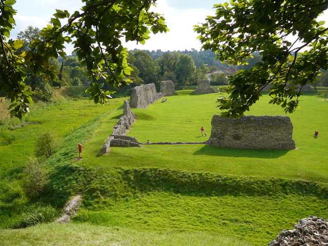 Berkhamsted Castle, outer walls