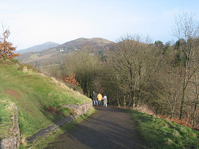 Walkers descending from Bristish Camp