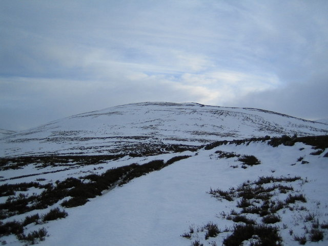Track up the ridge to Cairn Hillock