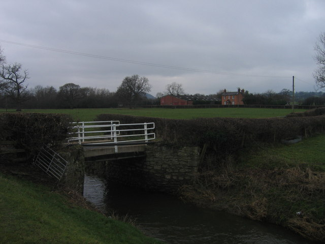Bont dros 'New Cut' / Bridge over the New Cut