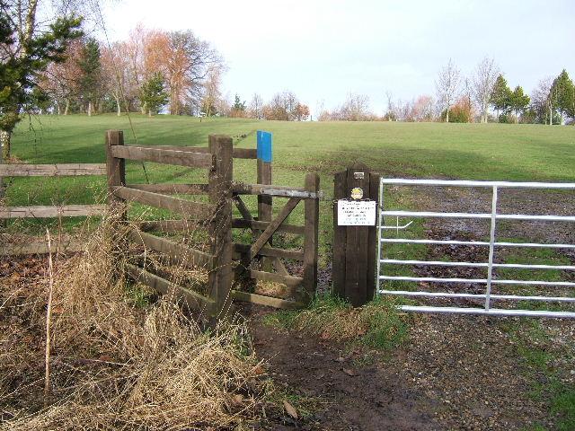 Kissing Gate, access across Vicarscross golf course
