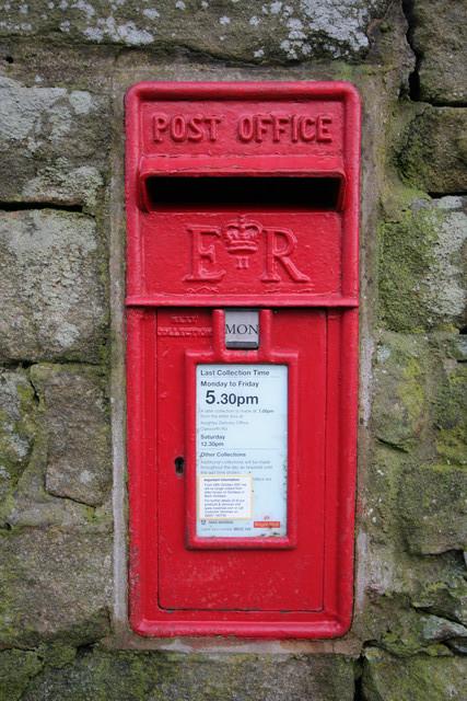 Elizabeth II Postbox, Newsholme