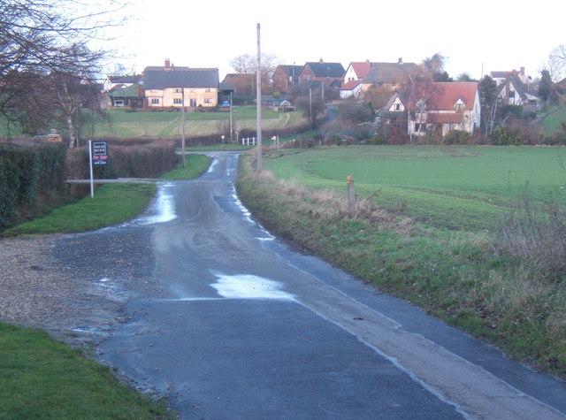 Mitchery Lane passes Walnut Tree Farm