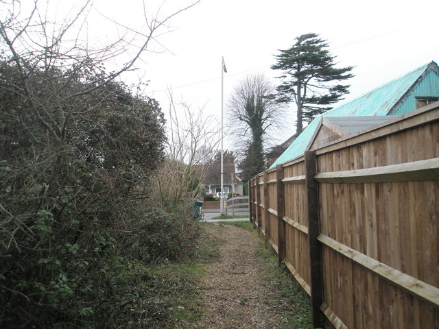 Start of footpath by Southbourne Farm Shop