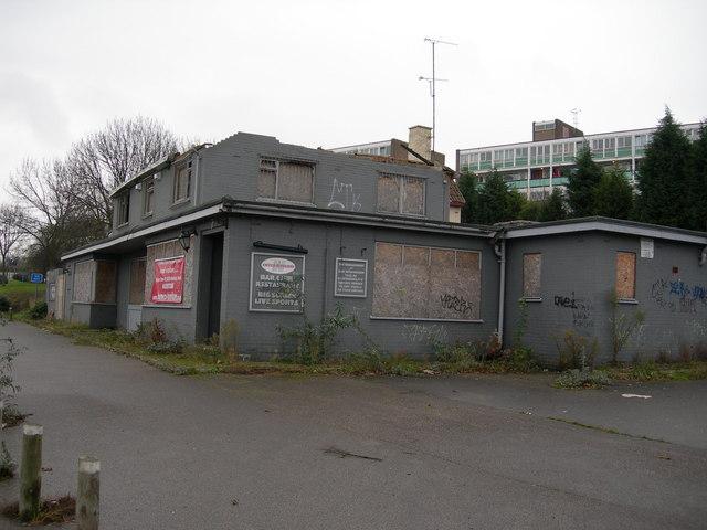 Closed Down Pub, Gillingham (1)