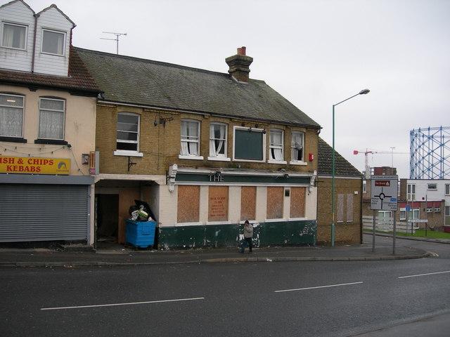 Closed Down Pub, Gillingham (2)