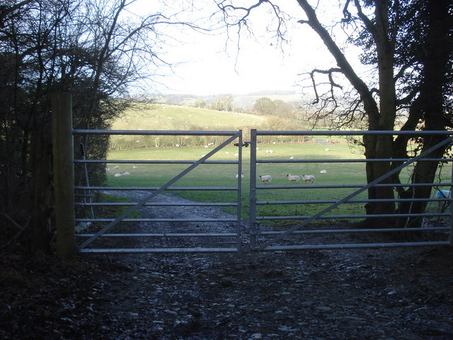 Public footpath off The Ridgeway