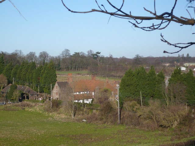 Queen Court Farm from Vicarage Lane